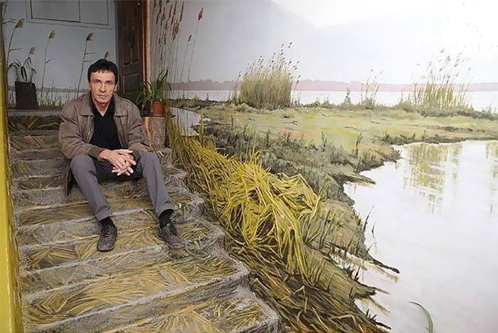 Художник Борис Черниченко и расписанные подъезды Астрахани
