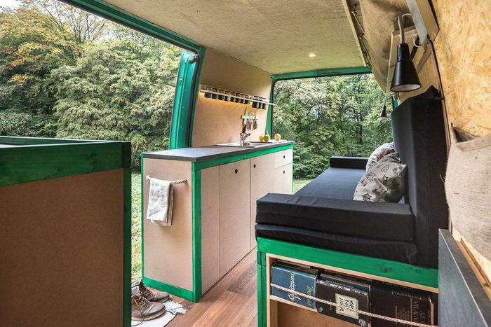 Недорогой дом на колесах Norbert Juhasz