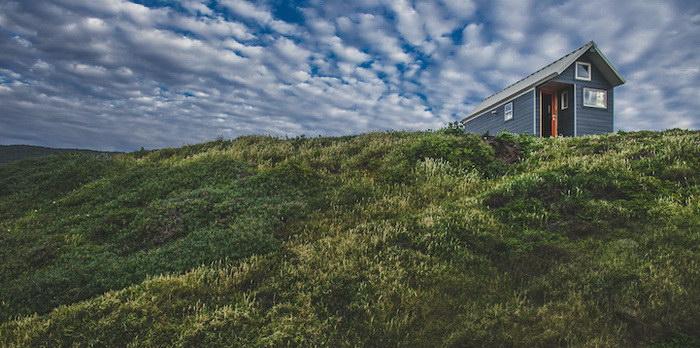 Небольшой домик для жизни в любой точке Земли