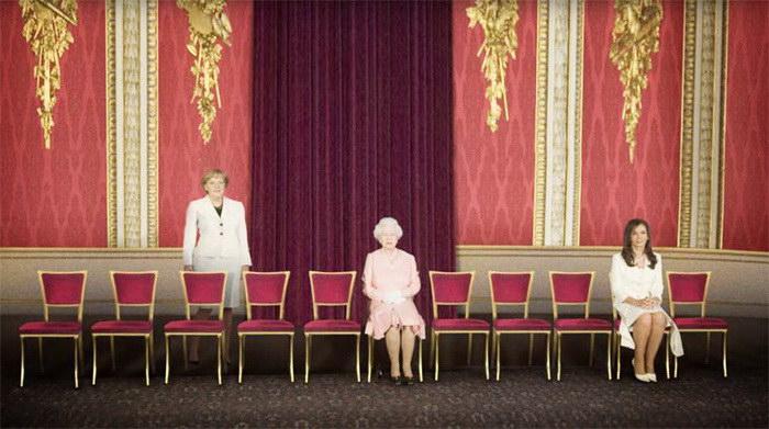 Женская политика: что будет, если удалить мужчин на фотографиях политиков