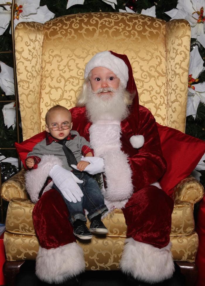 Санта Клаусы и дети меняются лицами