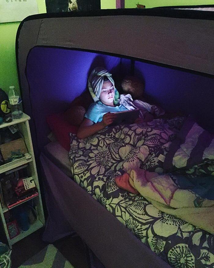 Тент на кровать для создания уединенного местечка
