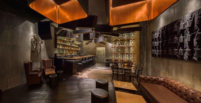 Спрятанный бар Flask в Шанхае