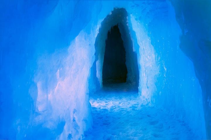 Фотографии ледяной пещеры Ben Kuhns