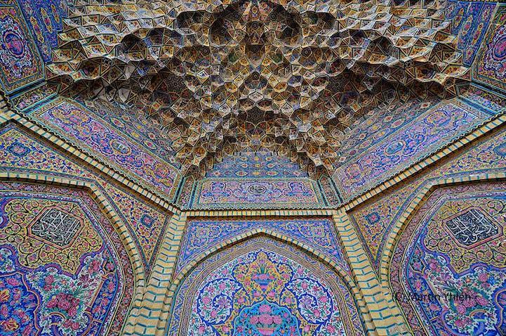 Красивые интерьеры мечети в Иране