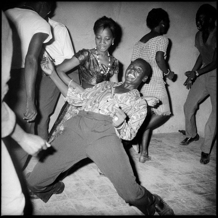 Танцующая Африка в фотографиях Malick Sidibe