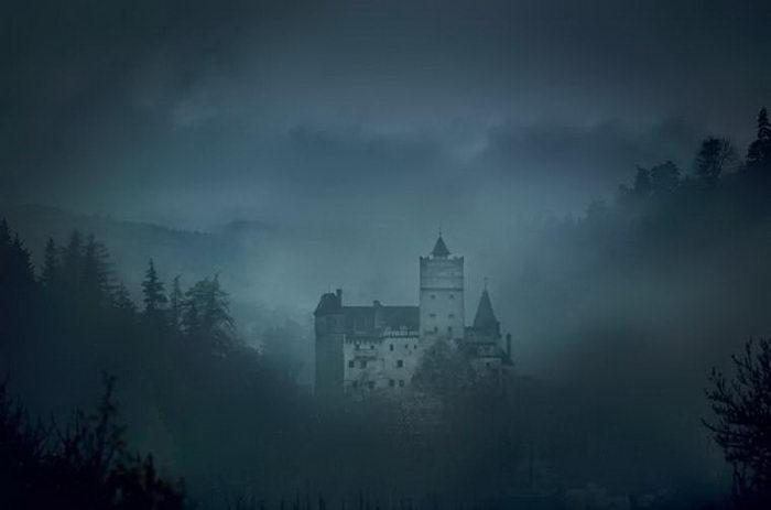 Ночь в гробу в замке Румынии: предложение AirBnb