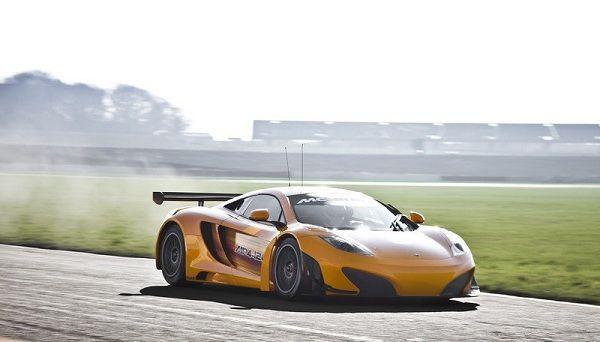 Суперкар McLaren MP4-12C