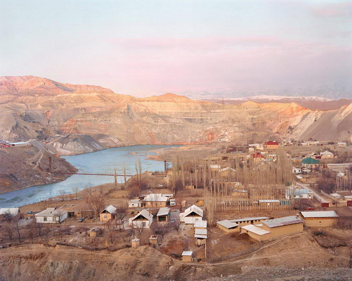 Люди и пейзажи Киргизии в снимках Elliott Verdier