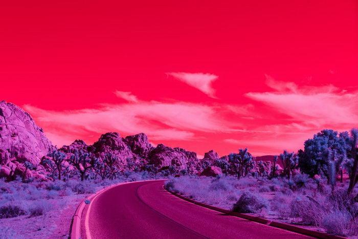 Палм Спрингс в инфракрасных снимках Kate Ballis