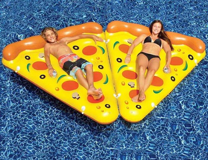 Матрас в форме кусочка пиццы