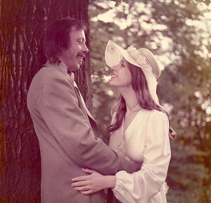 На юбилей свадьбы пара решила воссоздать свадебные фотографии