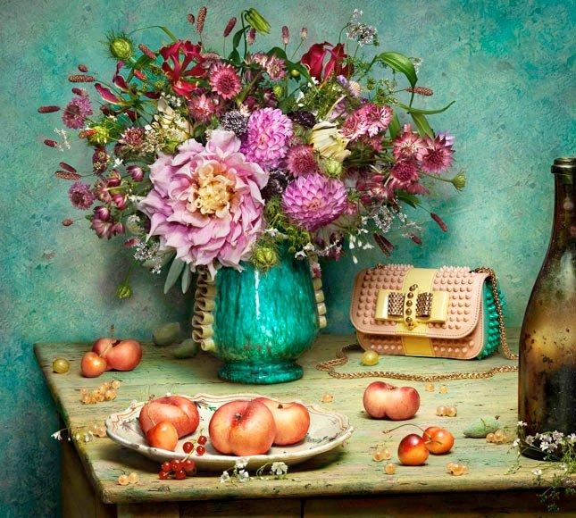 Красивая реклама Christian Louboutin