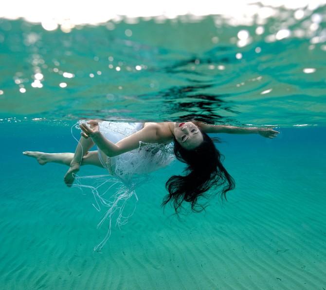 Русалки под водой в фотопроекте Kurt Arrigo