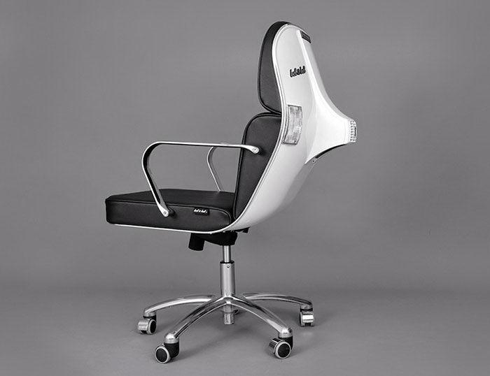 Модные кресла из мопедов Vespa