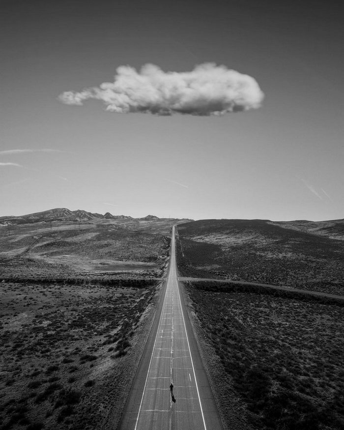 Черно-белое одиночество в снимках Jason Peterson