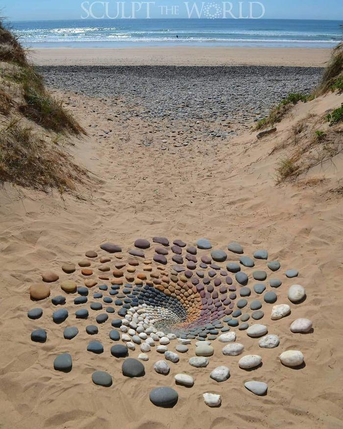 Искусство из камней Jon Foreman