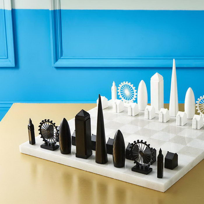Шахматы-небоскребы, посвященные Нью-Йорку и Лондону