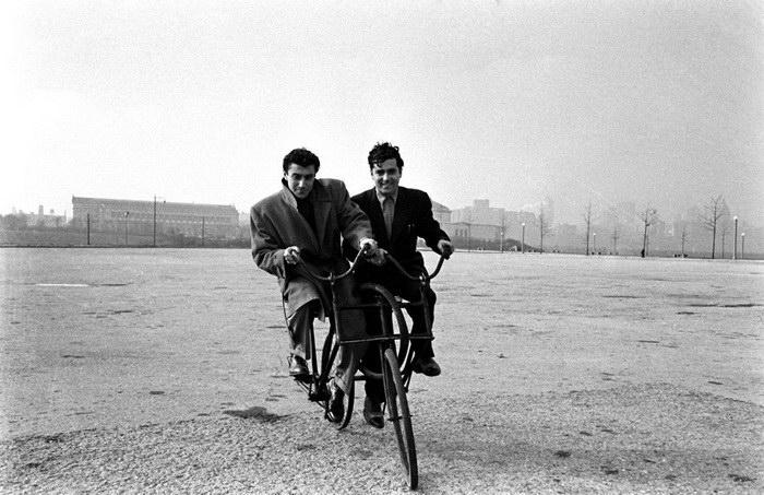 Фотографии с выставки велосипедов 1948 года