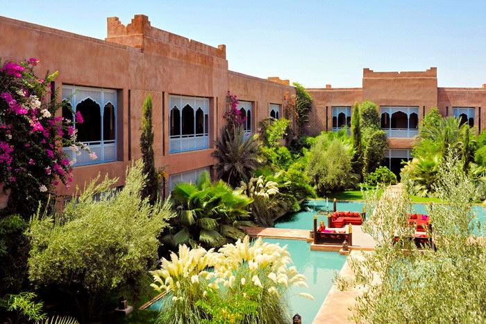 Архитектура и интерьеры отеля Sahara Palace в Марракеше