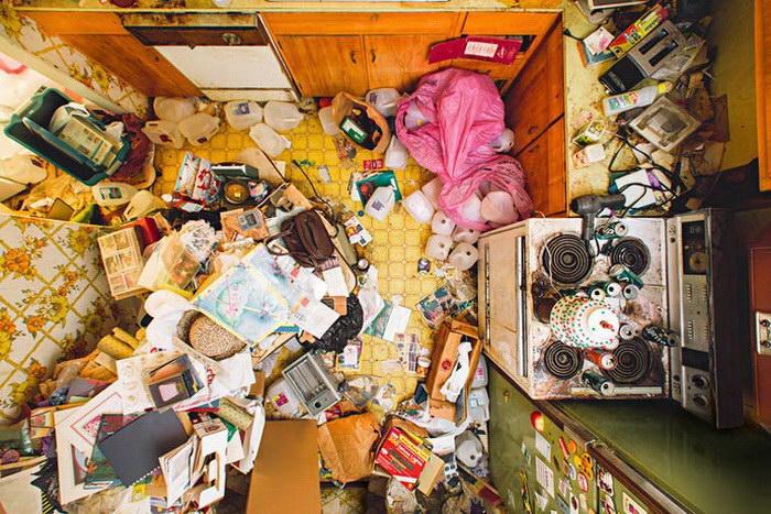 Квартиры людей, страдающих патологическим накопительством
