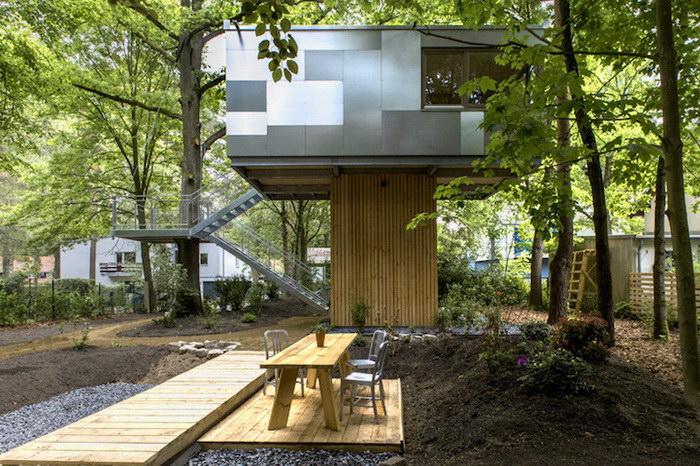 Уютный дом на дереве в пригороде Берлина