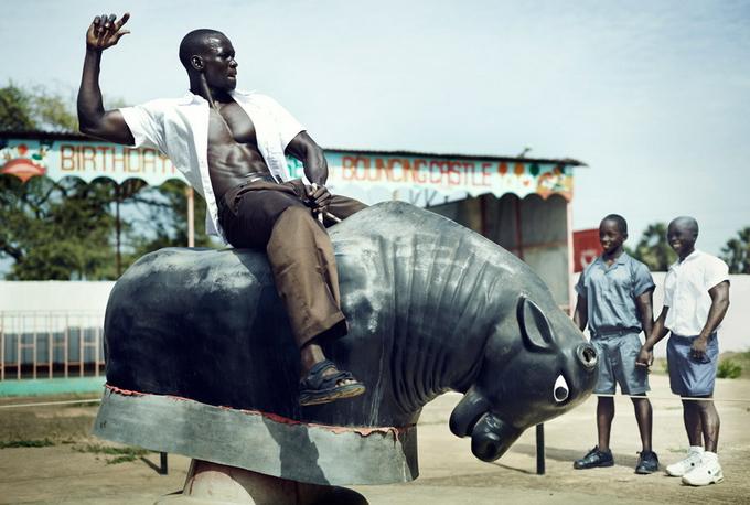 Серия фотографий «Мир бодибилдеров»