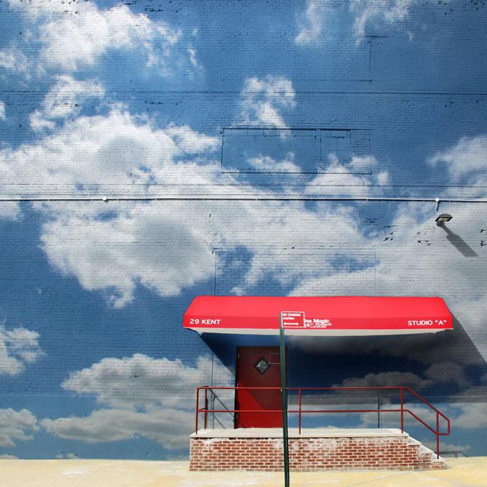 Облака на зданиях: отличный способ разукрасить город