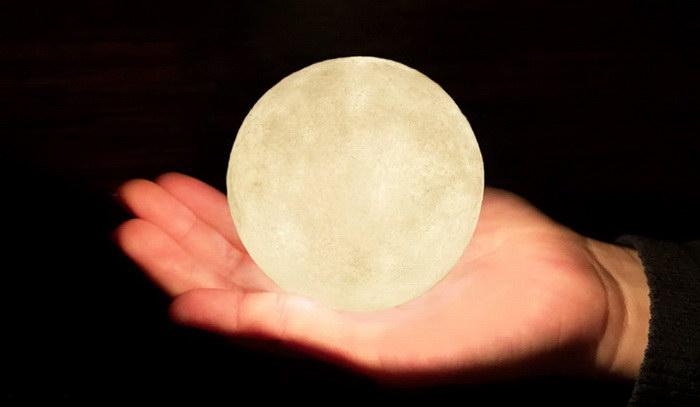 Светильник «Луна» для любителей ночного неба