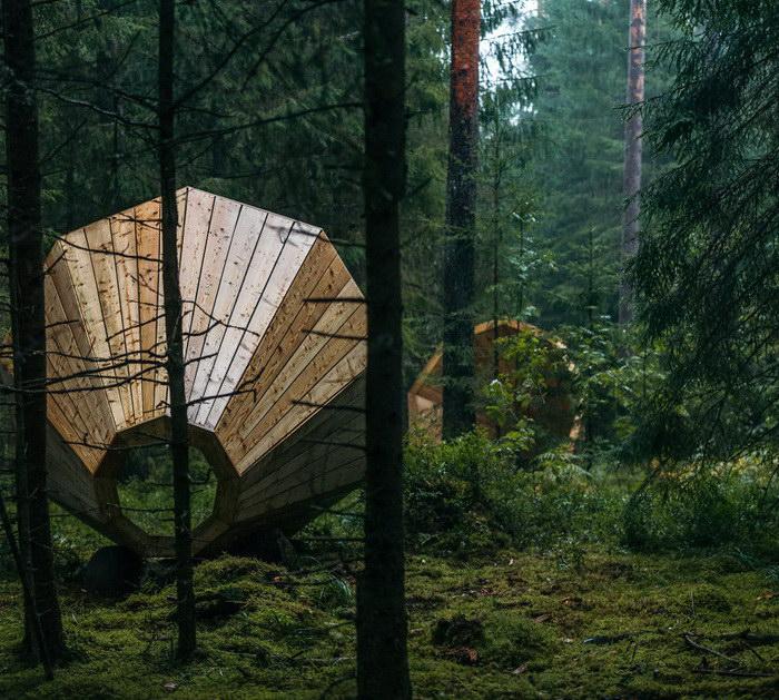 Акустическая установка, позволяющая слушать звуки леса