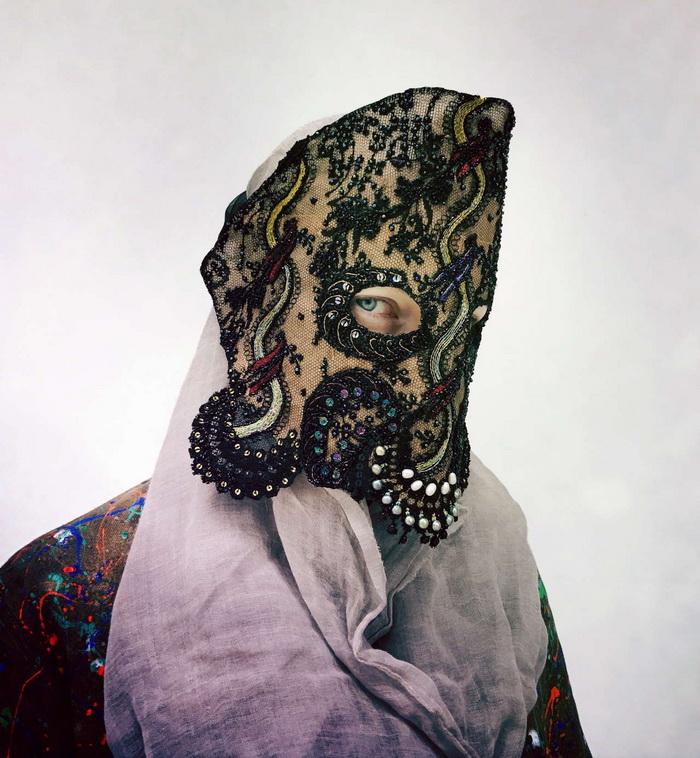 Жутковатые маски Magnhild Kennedy