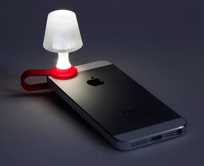Мобильный торшер под названием Luma