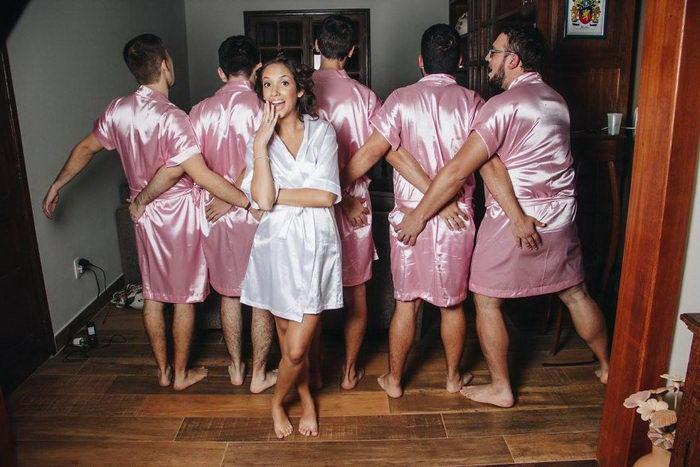 Невеста устроила девичник со своими друзьями-инженерами