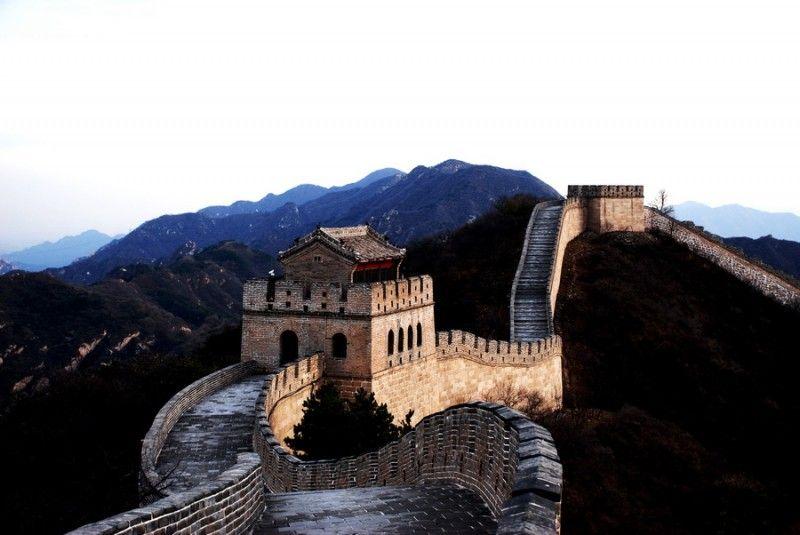 Одно из чудес света — Великая китайская стена