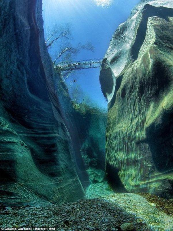 Кристально чистая река Верзаска