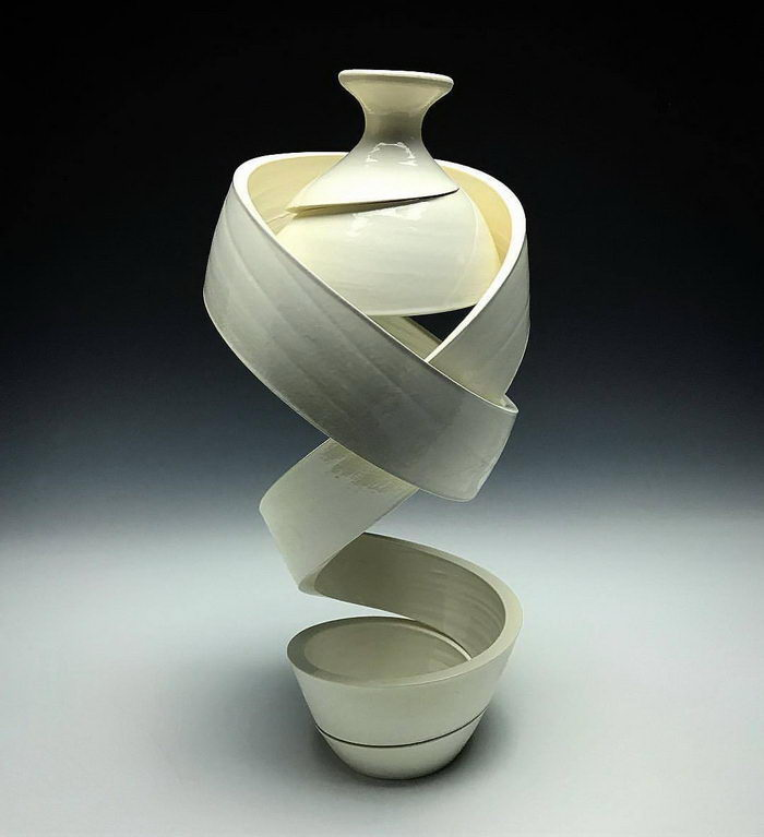 Необычные керамические вазы Michael Boroniec