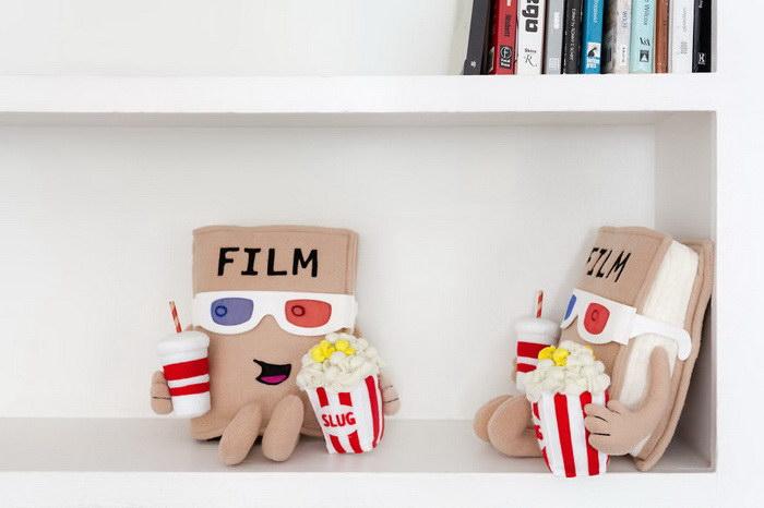 Мягкие игрушки в виде книжек