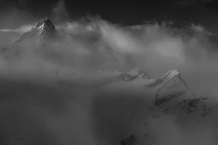 Черно-белые фото швейцарских Альп