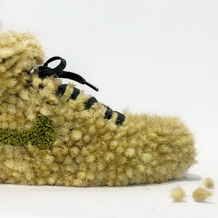 Живые кроссовки с цветами
