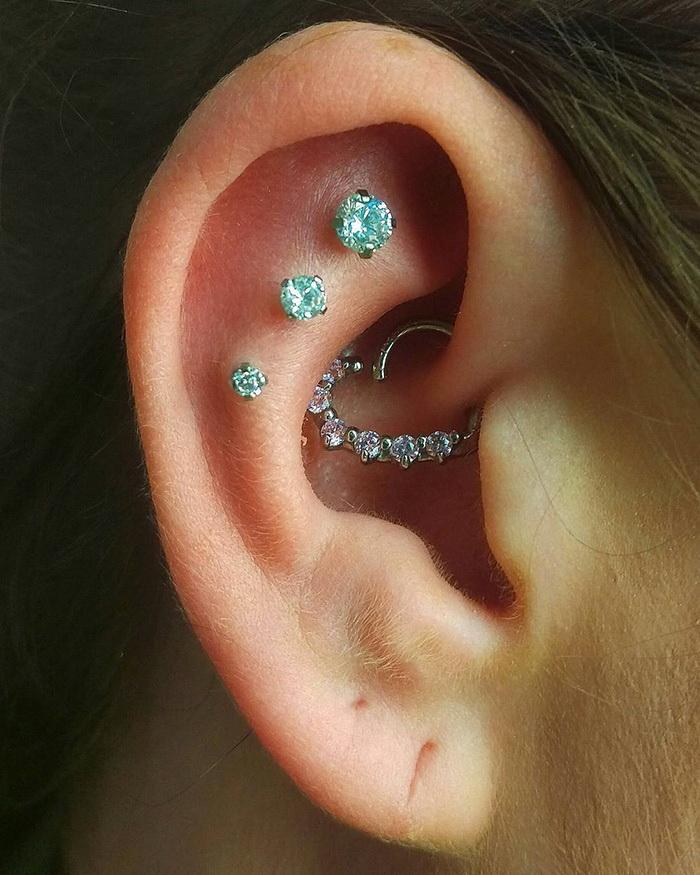 Созвездия в ушах: новый тренд в пирсинге