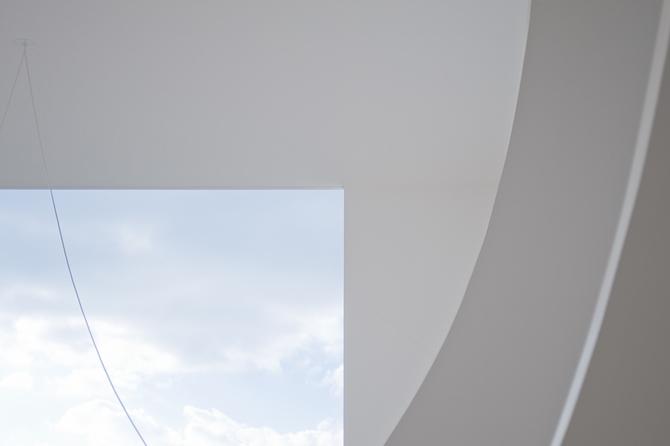 Удивительно белый дом