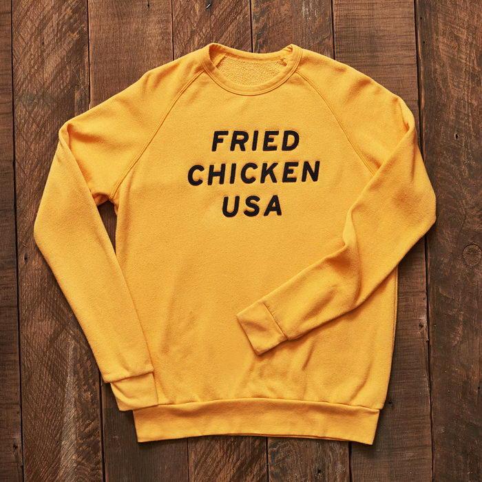 Лимитированная коллекция одежды KFC