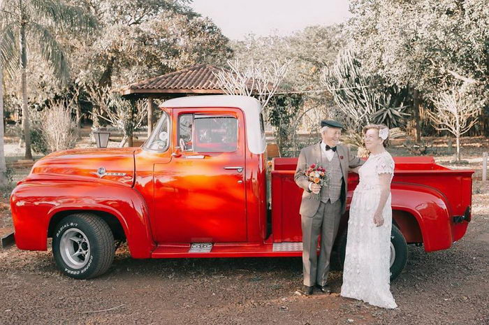 У пары не было свадебных фотографий, поэтому они решились на фотосессию через 60 лет