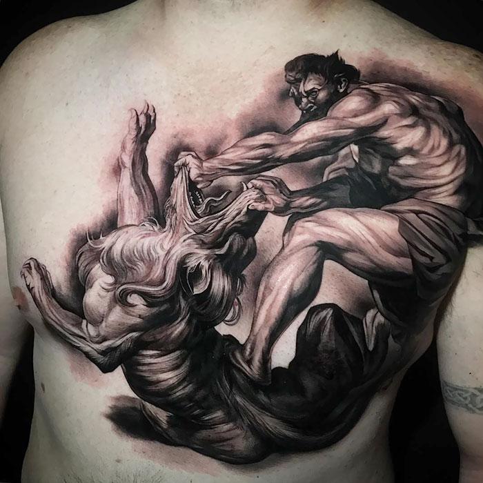 25 офигенных нагрудных татуировок