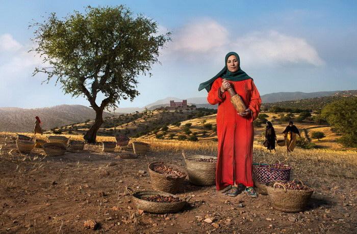 Африканский календарь: реклама кофейной компании Lavazza