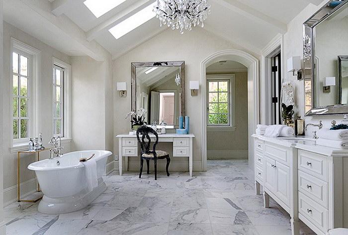 Как выглядят ванные комнаты и гардеробы знаменитостей
