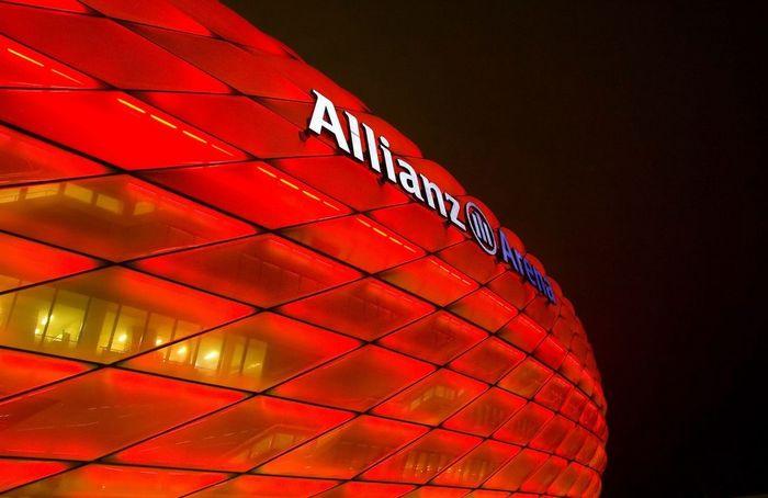 Альянц Арена: чудо современной архитектуры (Германия)