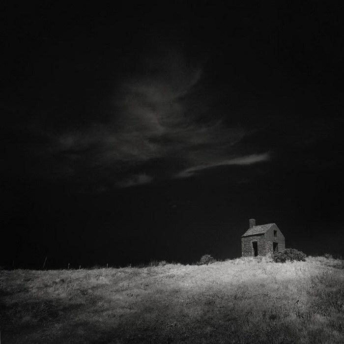 Заброшенные дома в фотографиях Andy Lee