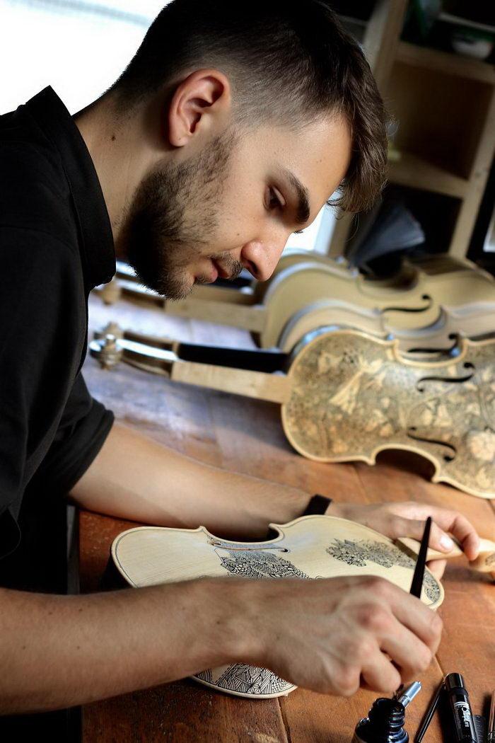 Расписные виолончели Leonardo Frigo