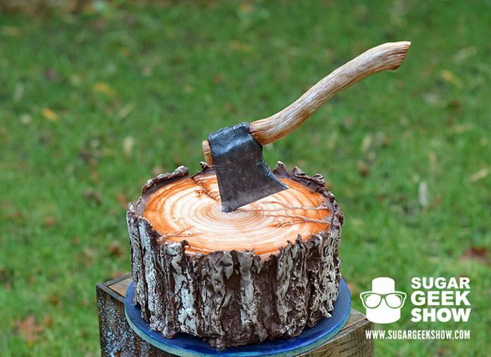 Аппетитный торт в форме пенька для любителей природы